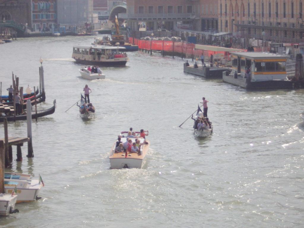 25042013.venezia.barche