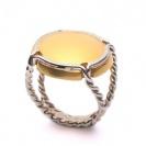 anello con pietra