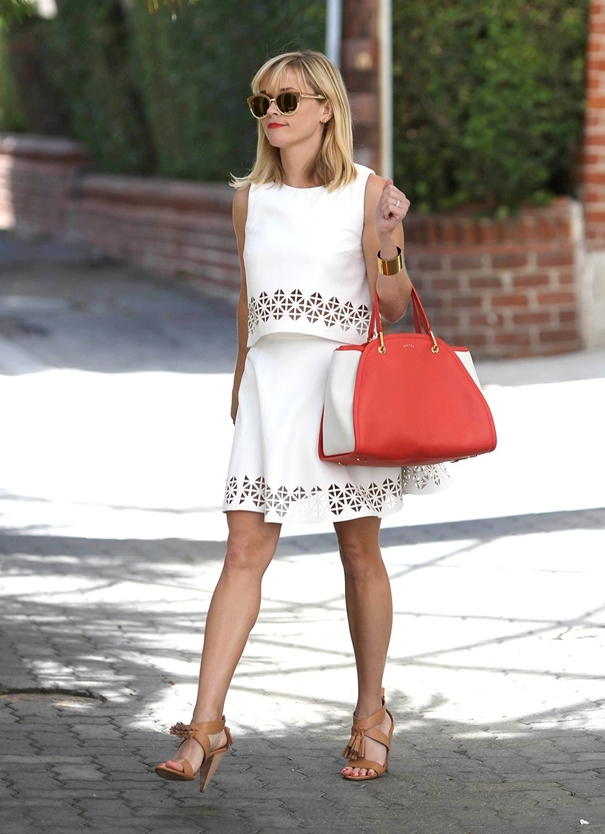 celeb-white-dress-reese-witherspoon_183405173742_jpg_gallery_max