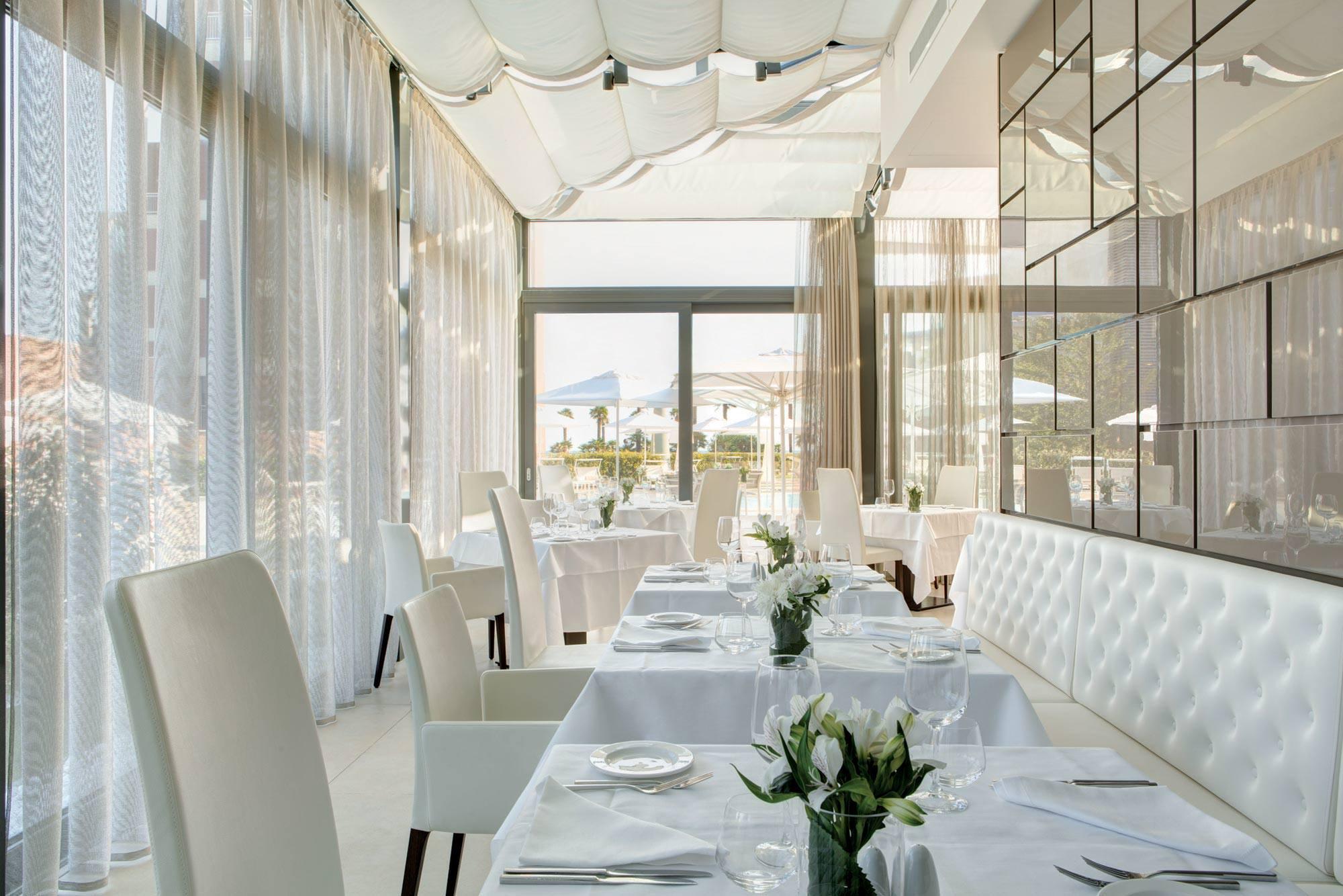 almar-jesolo_dining_mediterra-restaurant_detail