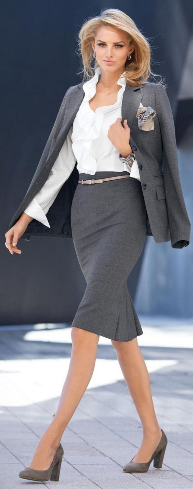 summer-work-outfit-skirt-suit-2-675x1711